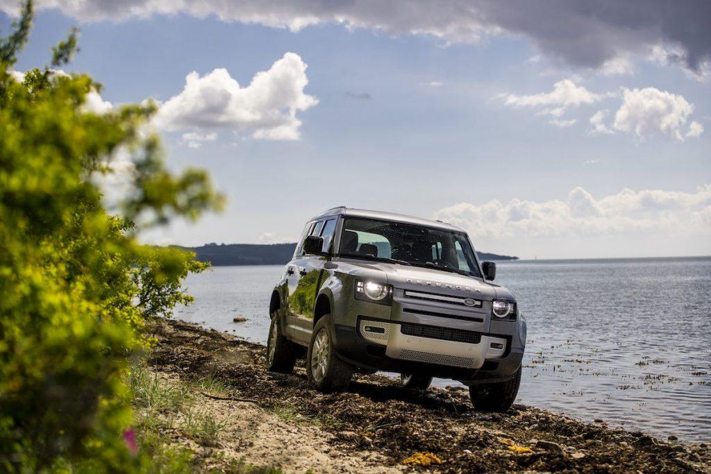 Land Rover Defender 110 D240 FIRST EDITION på strandtur